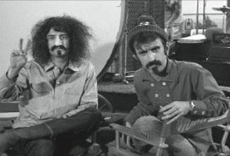 Mike Nesmith as Frank Zappa and Frank Zappa as Mike Nesmith, Still from the TV Episode