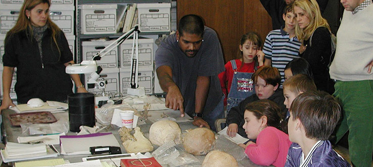 1<p>Dr. Sophia Perdikaris and former graduate student teach about animal bones in the zooarchaeology lab.</p>