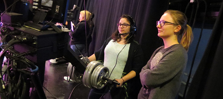 1<p>MFAs and undergraduate students working on the Jib at a studio rehearsal.</p>
