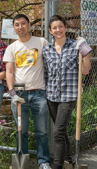 <p>&nbsp;Soil scientists Cheng and Egendorf.</p>