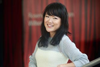 <p>Gloria Kim</p>