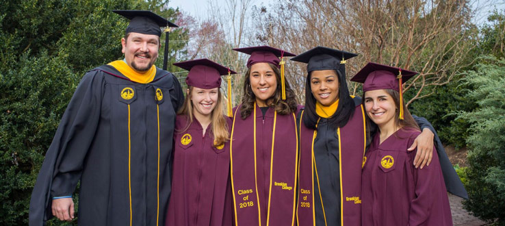 1<p>To participate in the 2018 commencement ceremony, eligible students must wear the official, custom Brooklyn College commencement attire.</p>